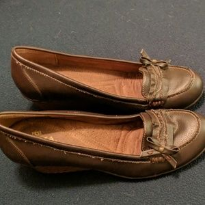Brown dress shoes